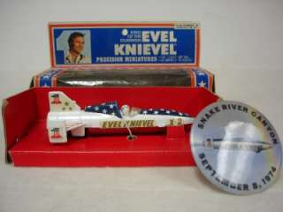 EVEL KNIEVEL STUNT CYCLE 1975 COMPLETE IN BOX ROBBIE MINI SKY CYCLE