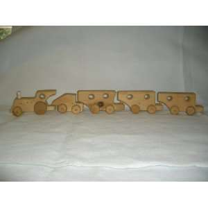 Handmade Buckhalt Wooden Toy Train (5 pieces)