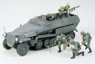 German Hanomag Sdkfz 251/1 Armoured Personnel Carrier   1/35 Scale