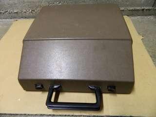 Vtg Two Tone ROYAL SAFARI Typewriter Manual Portable w/ EXTRA NEW