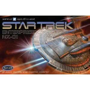 POLAR LIGHTS   1/1000 Star Trek USS Enterprise NX01 (Snap
