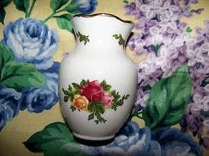 Authentic Old Country Roses Flower Bud Vase, Mini, 1962 Royal Albert