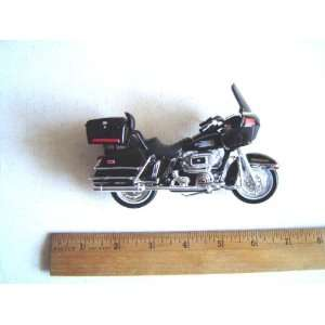 Davidson Motorcycle 1980 FLT Tour Glide 1:18 series 19: Toys & Games