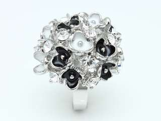 Black White Flower Cluster Puffy Fashion Cocktail Ring