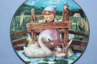 Danbury Mint Hummel Plate   Feathered Friends