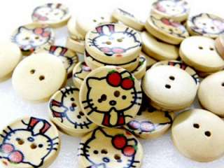 18 CUTE HELLO KITTY STRAWBERRY WOOD SEWING BUTTONS C405