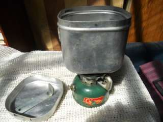 VINT. COLEMAN 502 CAMP STOVE AND METAL COOK KIT:10/72