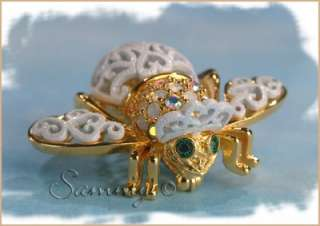 JOAN RIVERS GOLD/OPAL CRYSTAL WHITE LACE BRIDE BEE BUG PIN |
