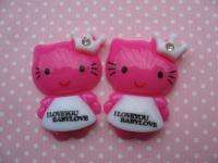 20 Resin Dressed Hello Kitty Button W/Crown Hot pink