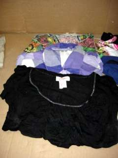 WHOLESALE LOT OF ASSORTED WOMENS SIZE LARGE CLOTHING