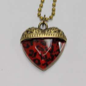 Retro Vintage Charming Jewelry Leopard Love Heart Pendant Necklace
