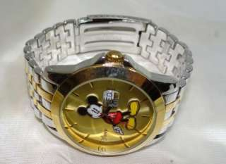 DISNEYS MICKEY MOUSE MENS WATCH ~ NICE