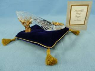 Franklin Mints Cinderellas magic glass slipper and pillow
