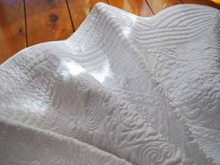 Beautiful Quality Quilted Bedspread Throw Rug Blanket